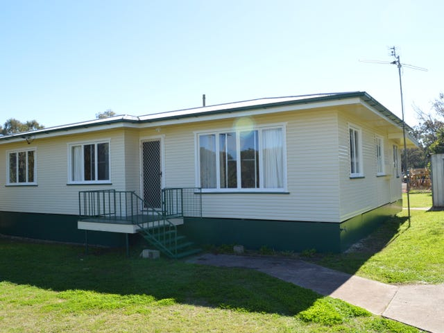31 Cooke Street, Goombungee, Qld 4354