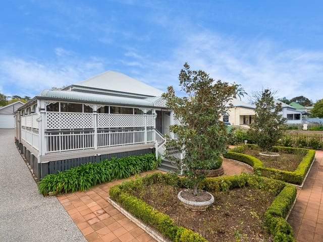 69 Bridge Street, Mount Lofty, Qld 4350