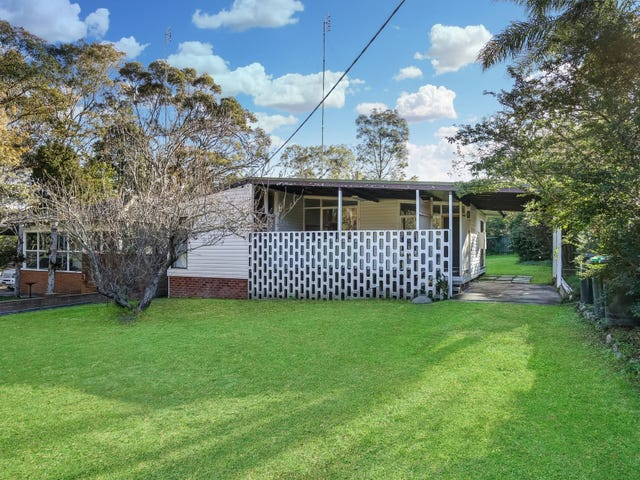 4 Croudace Bay Road, Belmont, NSW 2280