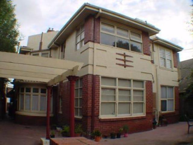 8/145 Brighton Road, Elwood, Vic 3184