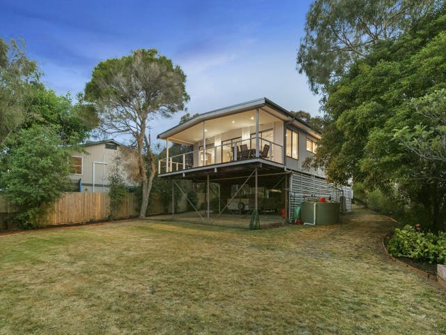 15 Walara Drive, Mount Martha, Vic 3934