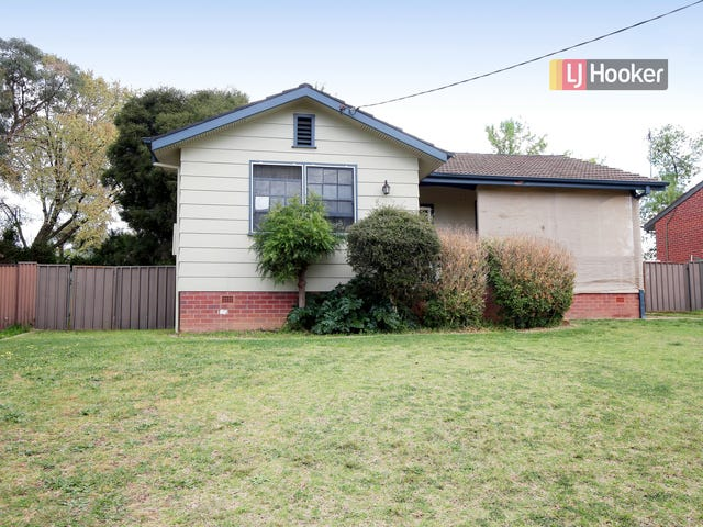 17 Ziegler Avenue, Kooringal, NSW 2650