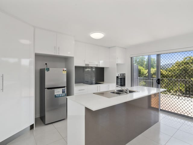 30/37 Witheren Circuit, Pacific Pines, Qld 4211