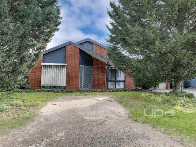 17 Pinus Place, Meadow Heights, Vic 3048