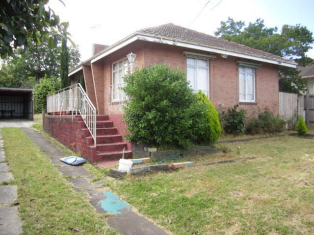 8 Attunga Street, Chadstone, Vic 3148