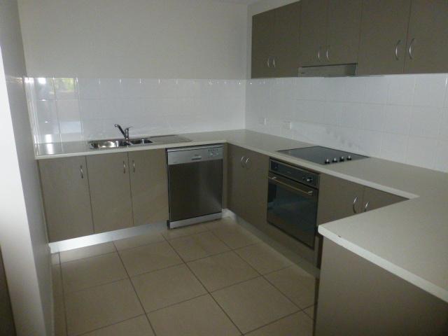 320/335 Lake Street, Cairns North, Qld 4870