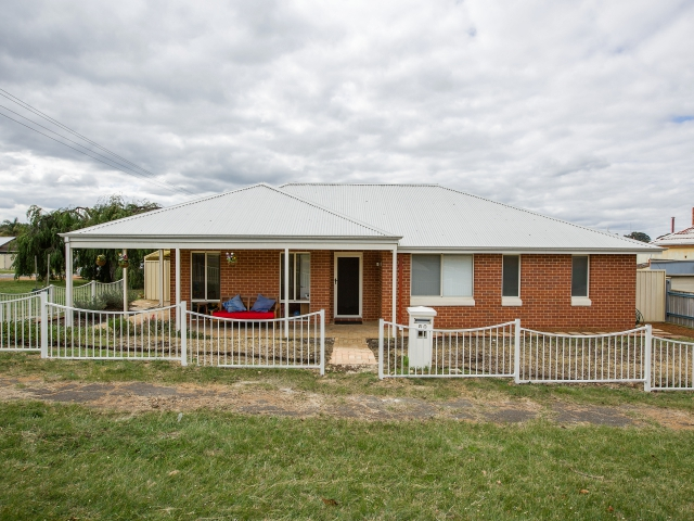 80 Jones Street, Collie, WA 6225