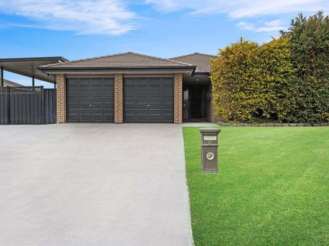 37 Strutt Crescent, Metford, NSW 2323