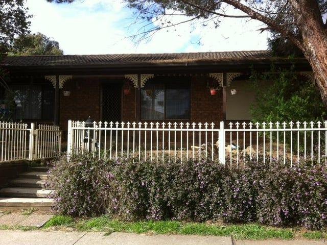 1 Lyrebird Crescent, Green Valley, NSW 2168