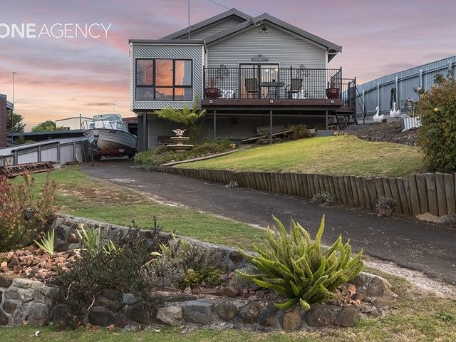 13 The Boulevard, Hillcrest, Tas 7320
