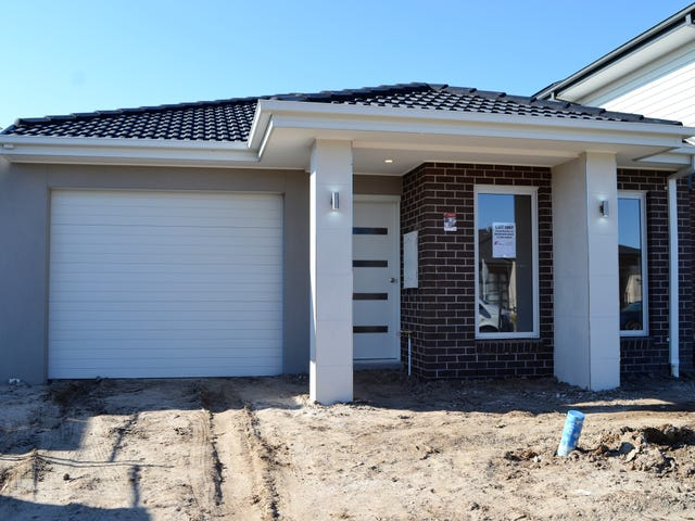 15 Bazadaise Drive, Clyde North, Vic 3978