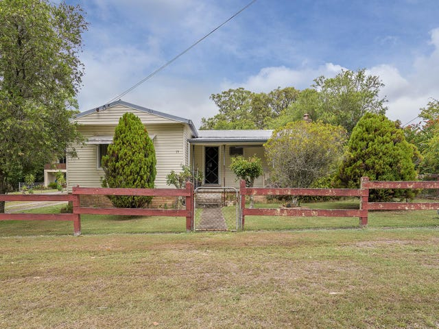 19 Lowe Street, Clarence Town, NSW 2321