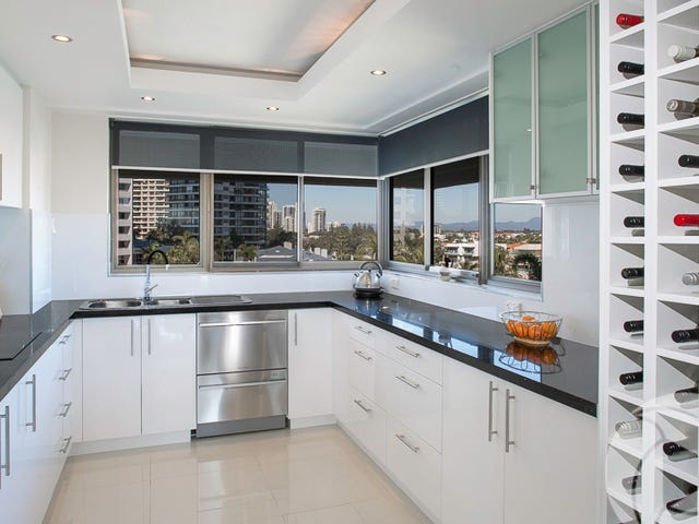 19/18 Commodore Drive, Surfers Paradise, Qld 4217