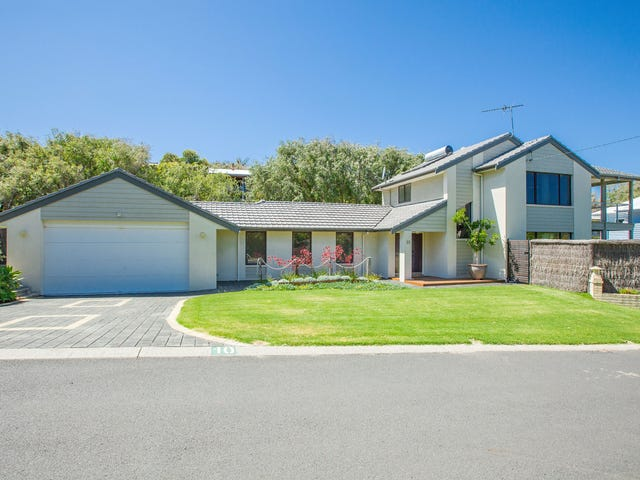 10 McCourt Place, Peppermint Grove Beach, WA 6271