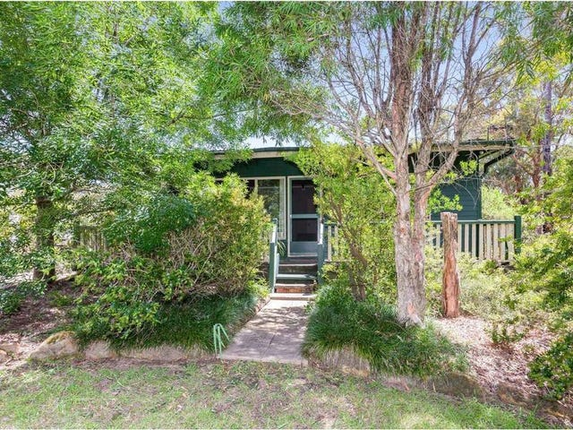 16 Albert Road, Bullaburra, NSW 2784
