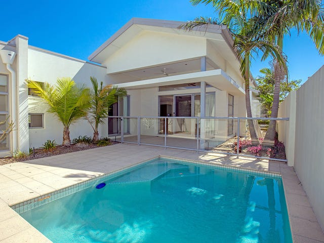 2821 Gracemere Circuit East, Hope Island, Qld 4212