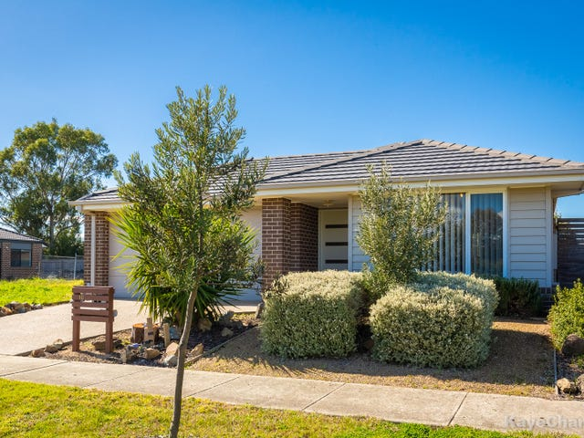 10 OLIVE GROVE, Officer, Vic 3809