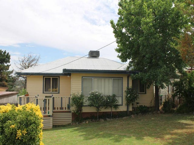 11 Clifton Street, Young, NSW 2594
