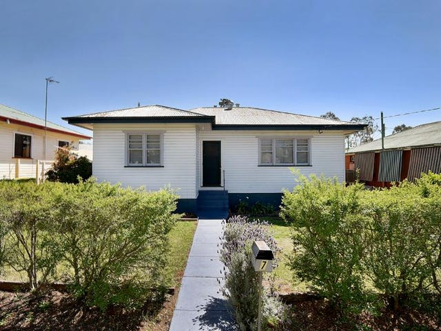 7 Derwak Street, Harristown, Qld 4350
