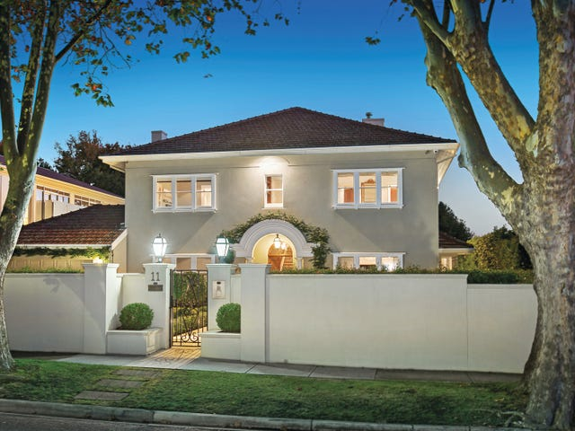11 Maple Grove, Toorak, Vic 3142