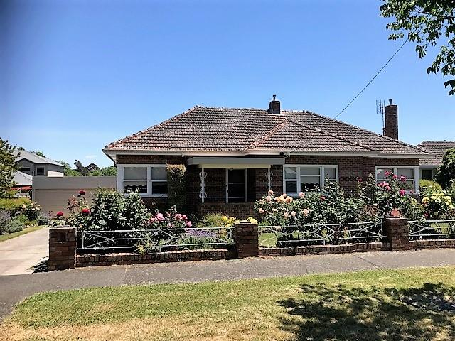 1011 Lydiard Street North, Ballarat East, Vic 3350