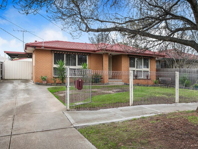 12 Charles Court, Melton South, Vic 3338