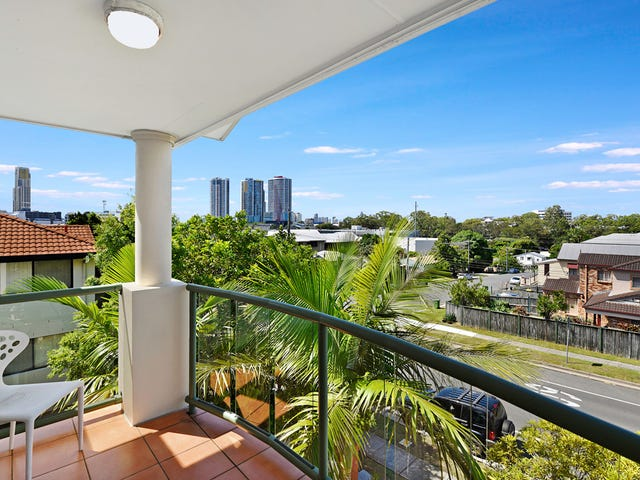 13/7-11 Johnston Street, Southport, Qld 4215