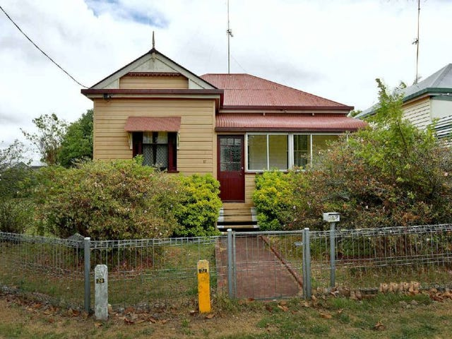 17 Burns Street, East Toowoomba, Qld 4350