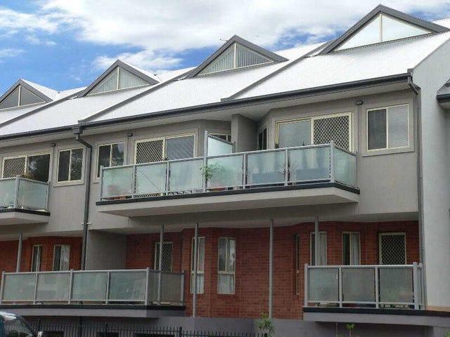 99/13-15  Hewish Road, Croydon, Vic 3136