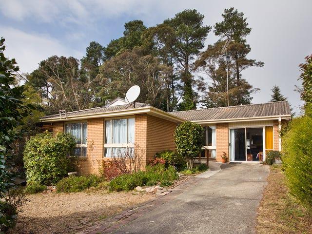 17 Irvine Ave, Blackheath, NSW 2785