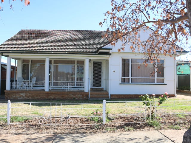28 Armstrong Street, Parkes, NSW 2870