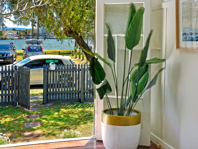 23 River Drive, Budds Beach, Surfers Paradise, Qld 4217