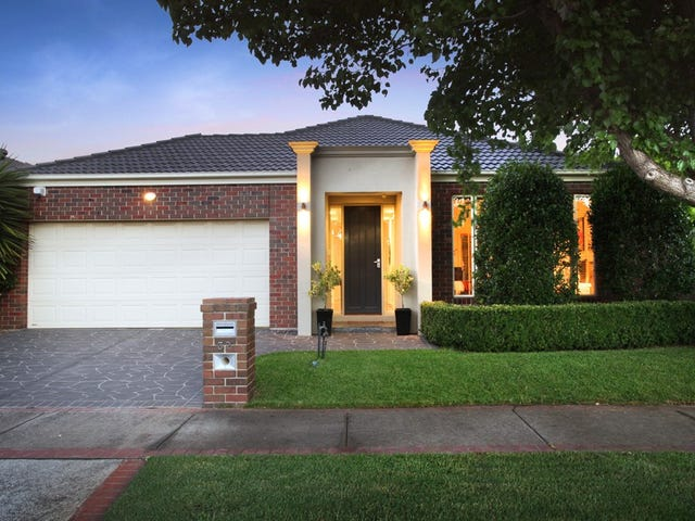 32 Blenheim Way, Caroline Springs, Vic 3023