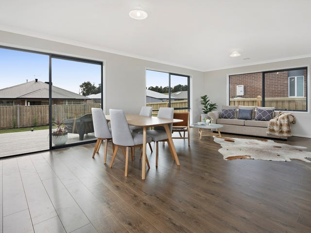 35a  South Road, Woodend, Vic 3442
