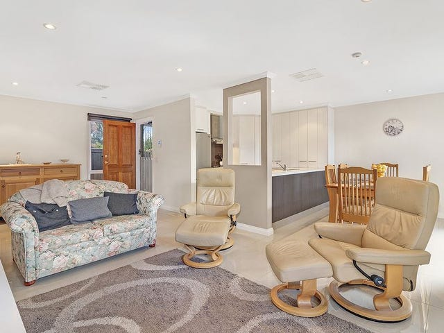 2/11 Hanover Road, Vermont South, Vic 3133