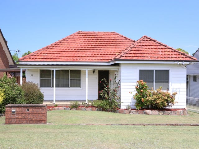 18 Fourth Ave, Rutherford, NSW 2320