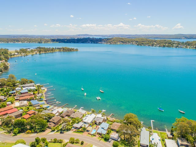 13 Ealing Crescent, Fishing Point, NSW 2283