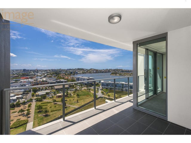 1802/30 Festival Place, Newstead, Qld 4006