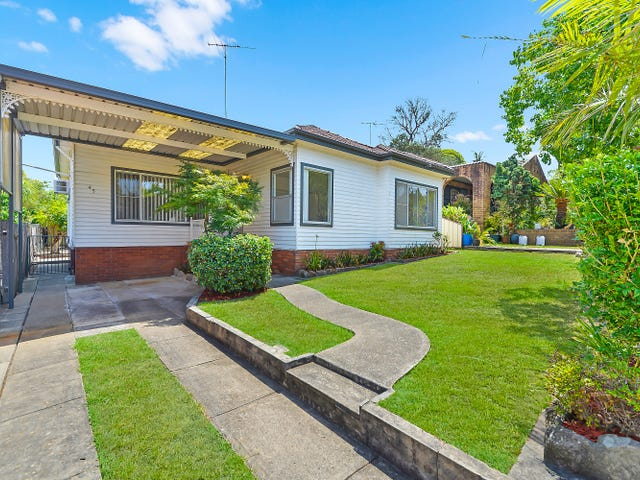 45 Roseview Ave, Roselands, NSW 2196