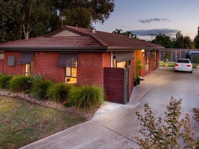 15 Blackbutt Court, Thurgoona, NSW 2640