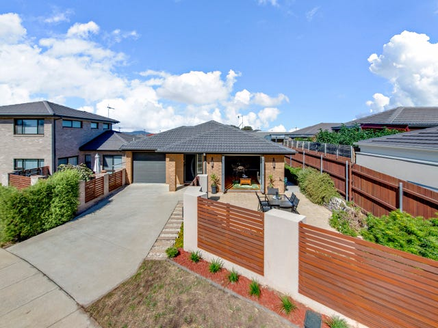 15 Ruth Dobson Street, Casey, ACT 2913