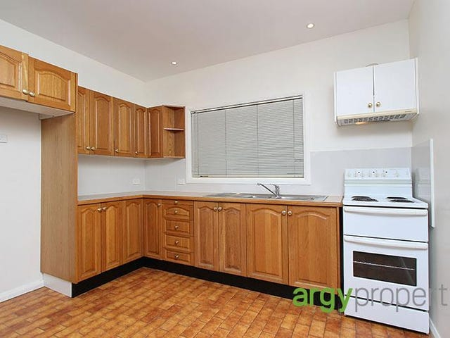 28a Bignell Street, Illawong, NSW 2234