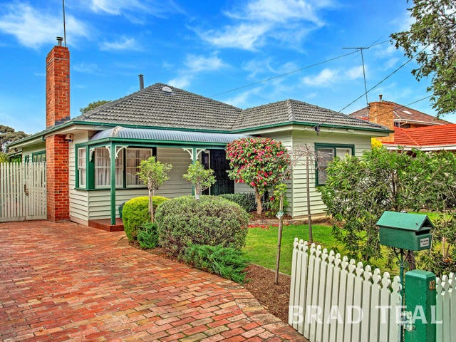 42 Wallace Crescent, Strathmore, Vic 3041
