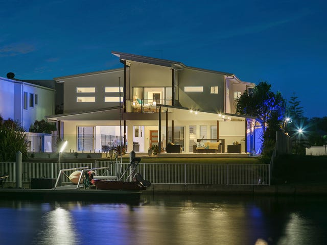 8 North Point Crescent, Pelican Waters, Qld 4551