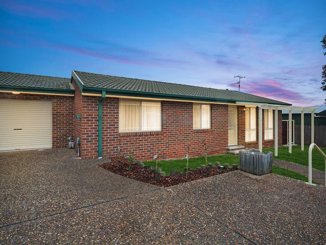2/64 Thorpe Avenue, Queanbeyan, NSW 2620