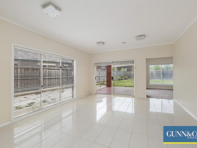 8 Tusmore Road, Point Cook, Vic 3030