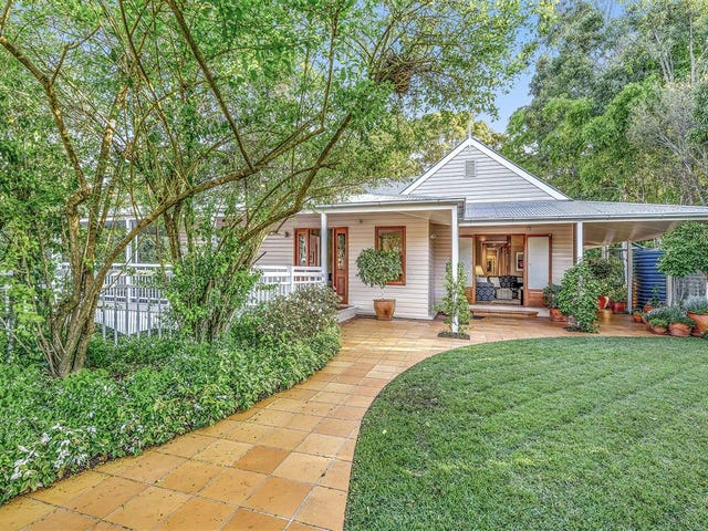 26 Satinwood Court, Bardon, Qld 4065