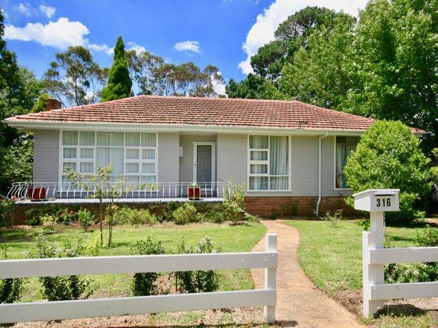 316 Blaxland Rd, Wentworth Falls, NSW 2782