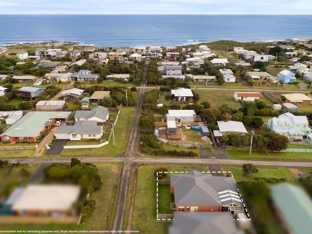 16 Malcalm Avenue, Surf Beach, Vic 3922