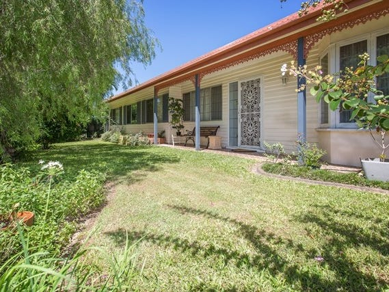 4 Smalley Street, Andergrove, Qld 4740